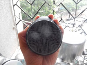 Logitech X100 Bluetooth speakers Top
